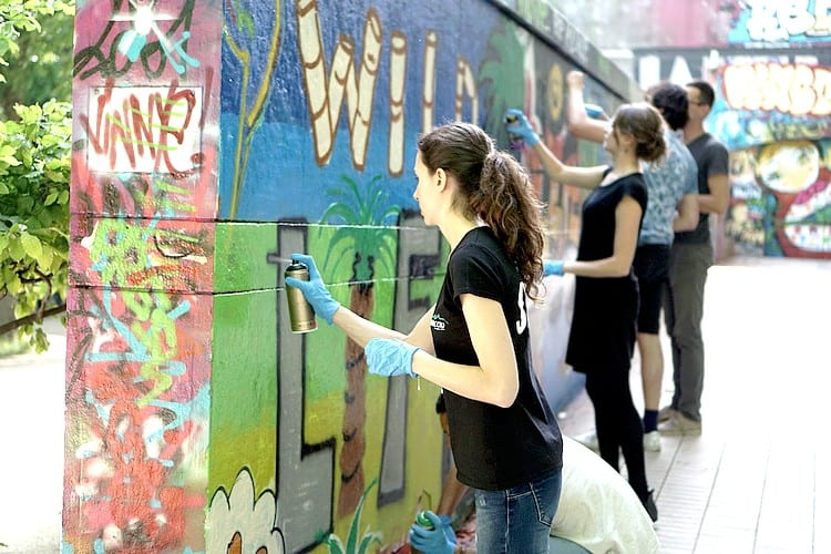 Atelier Workshop Street Art Graffiti Paris - Tourism original activity Experience France