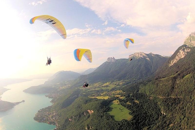 Activites originales Lac d'Annecy - vol parapente matinal couple famille
