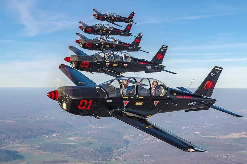 Vol en formation avion chasseur a helices - Breitling Jet Team - Dijon Bourgogne