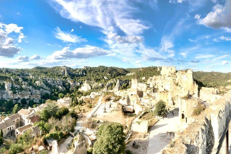 Tour visite guide prive chauffeur baux de provence