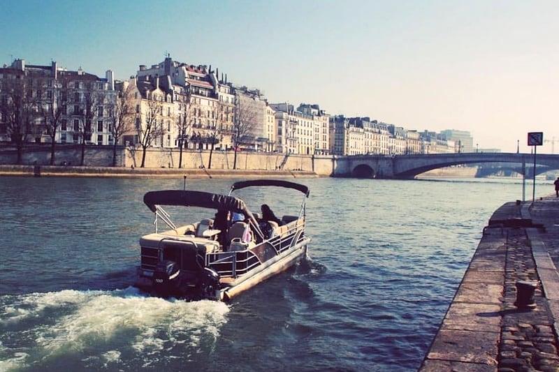 croisiere privee la seine paris bateau ponton aperitif evg evjf tour eiffel