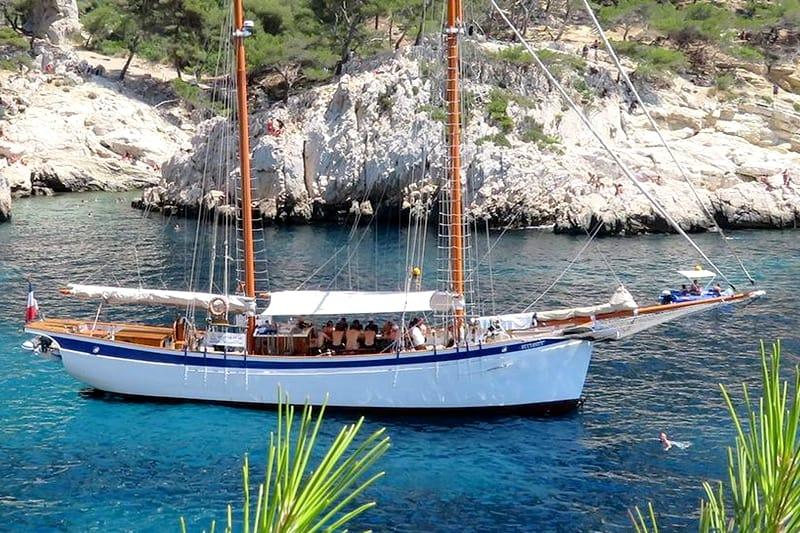 croisiere bateau voilier marseille vieux port calanques journee - sortie mer mediterranee
