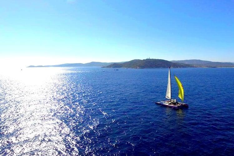 croisiere catamaran soiree saint tropez mediterranee