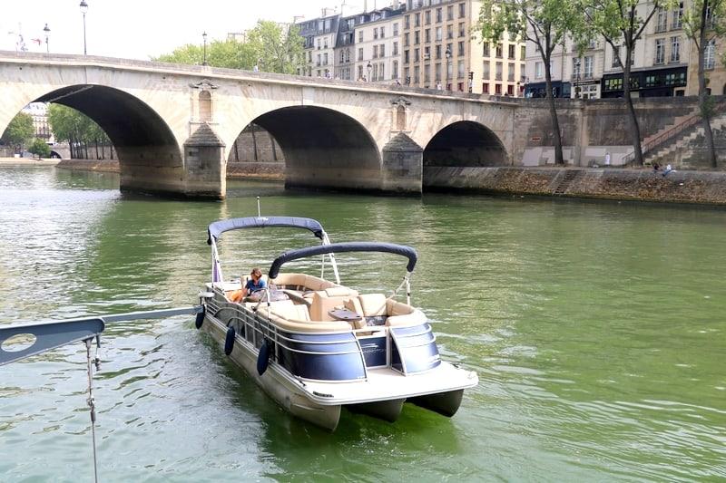 Croisiere privee seine bateau ponton