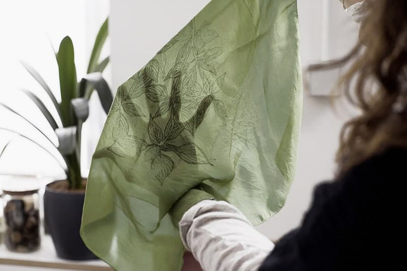 atelier diy moatelier diy mode creatif foulard soie teinture et serigraphie creatif foulard soie teinture et serigaphie