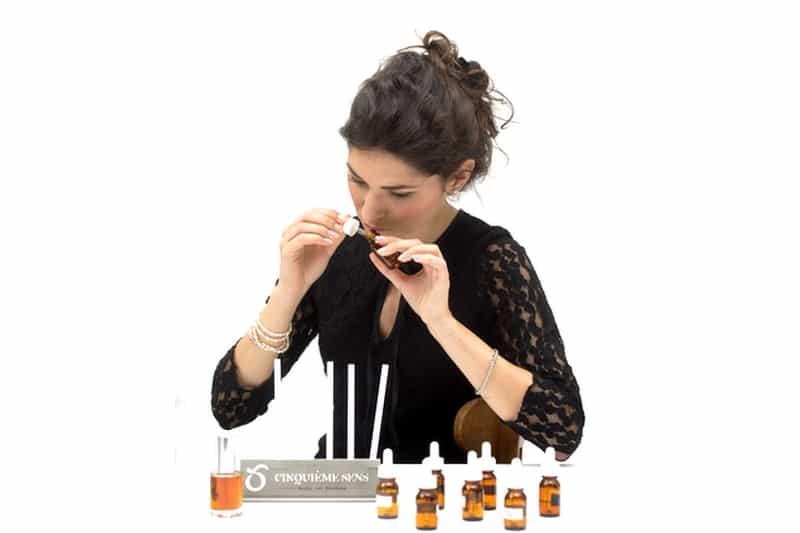atelier diy prive sur mesure evjf anniversaire creation fabrication parfum paris