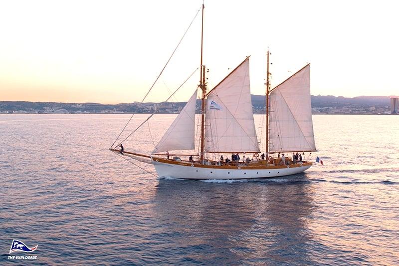 croisiere voilier marseille vieux greement lever soleil mediterranee