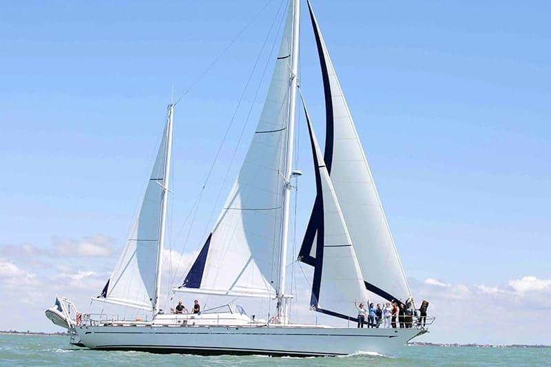 croisiere privee voilier luxe yacht bateau la rochelle groupe entreprise 18 personnes boyard ile de re